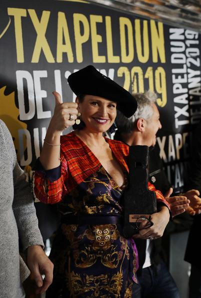 La soprano Ainhoa Arteta rep el premi Txapeldun de l'Any ...